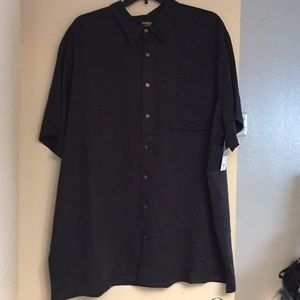 New Big and tall foundry black shirt. Size 3XLT